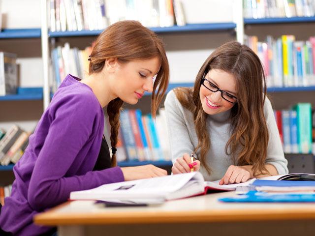 Как лучше учить английский: индивидуально или в группе? Курсы английского Киев